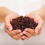 eating raisins helps your mouth
